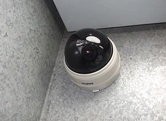 マンションのエレベーター防犯カメラを増設3