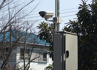 街頭防犯カメラを市内に70基、110台納入1