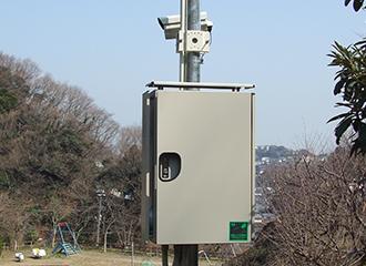 街頭防犯カメラを市内に70基、110台納入3
