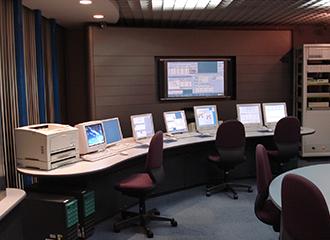 監視カメラ・防犯センサー・入退出管理を1括管理1