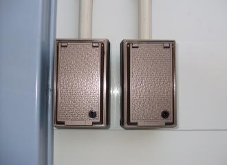 建て替えのため仮倉庫のセキュリティセンサーをレンタル納入3