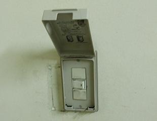 病院の薬在庫に入退出装置を納入2